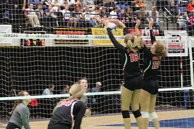 Iowa High School Volleyball Class 5A Regional Finals Tonight