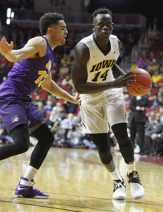 Northern Iowa v Iowa